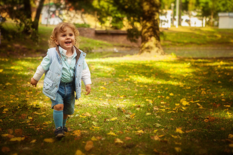 Семейная фотосессия осенью с ребенком идеи фото