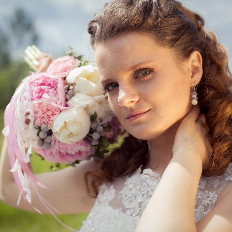 фотосессия с цветами, фотосессия с пионами, ромашками, васильками, маками, орхидеями