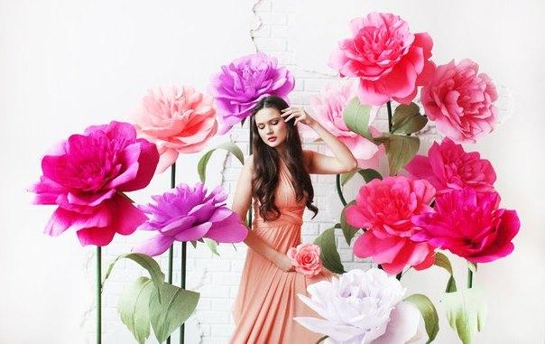 Фотосессия с цветами большими