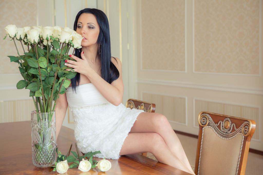 Фотосессия с розами в вазе: фото Виталий Мороз