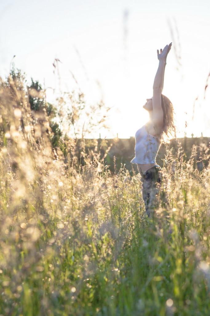 Фотосессия с полевыми цветами