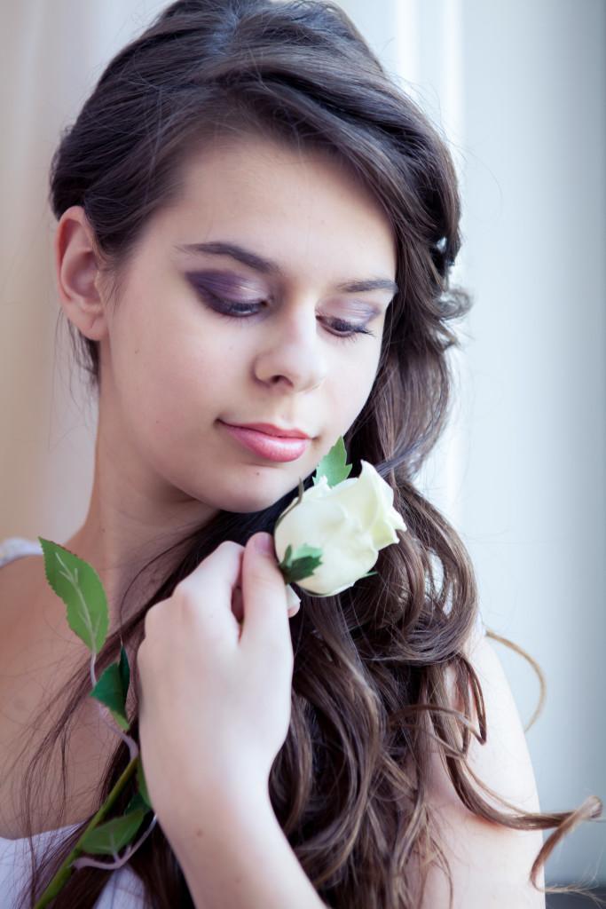 Фотосессия девушки с розой