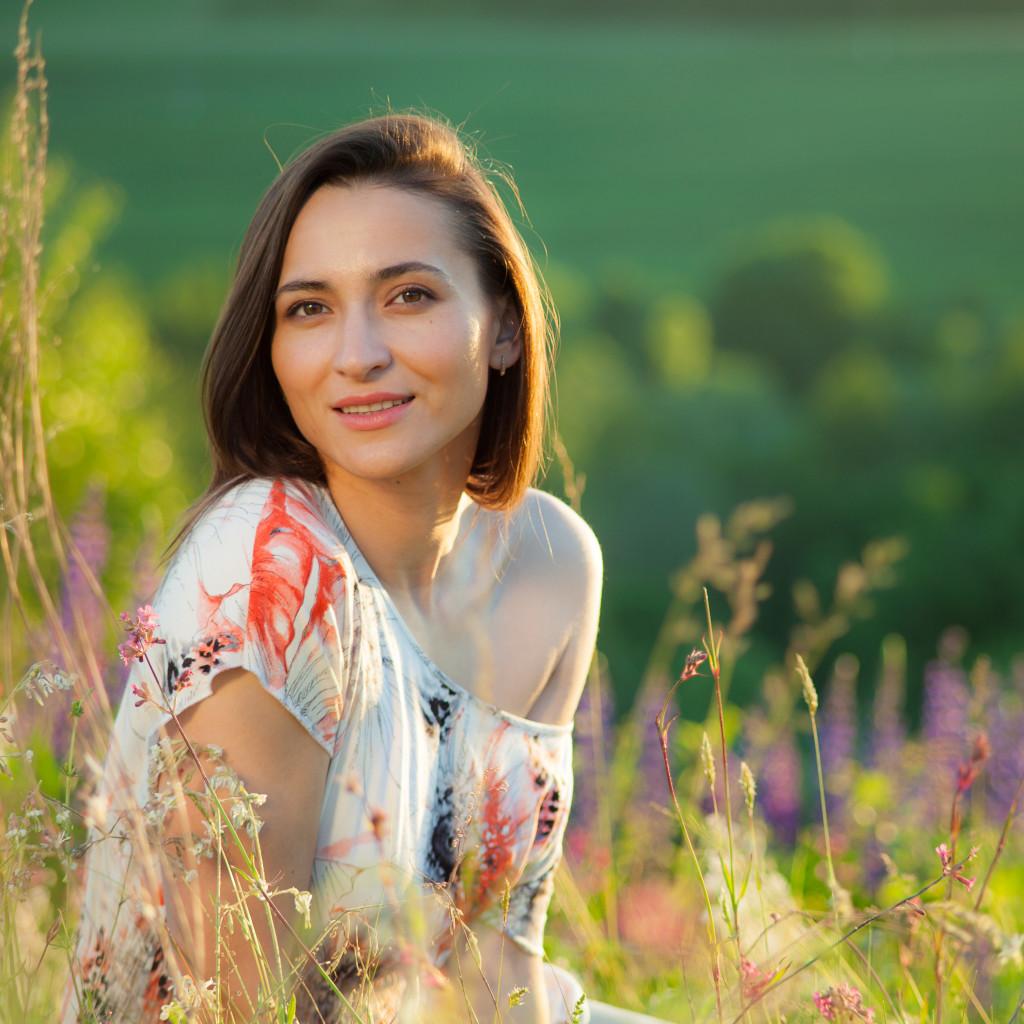 Фотосессия с разными полевыми цветами: фото Виталия Мороза