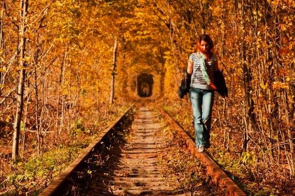 Осенняя фотосессия на рельсах