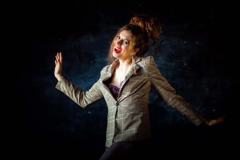 Фотосессия девушки в студии. Образ гламурной дивы.